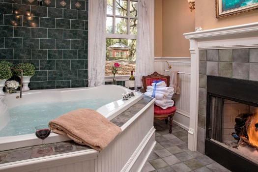 The Carriage House Bath